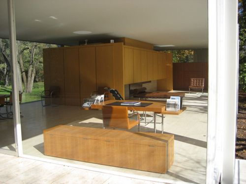 Casa farnsworth mies van der rohe interior 01 for Casa minimalista de mies van der rohe