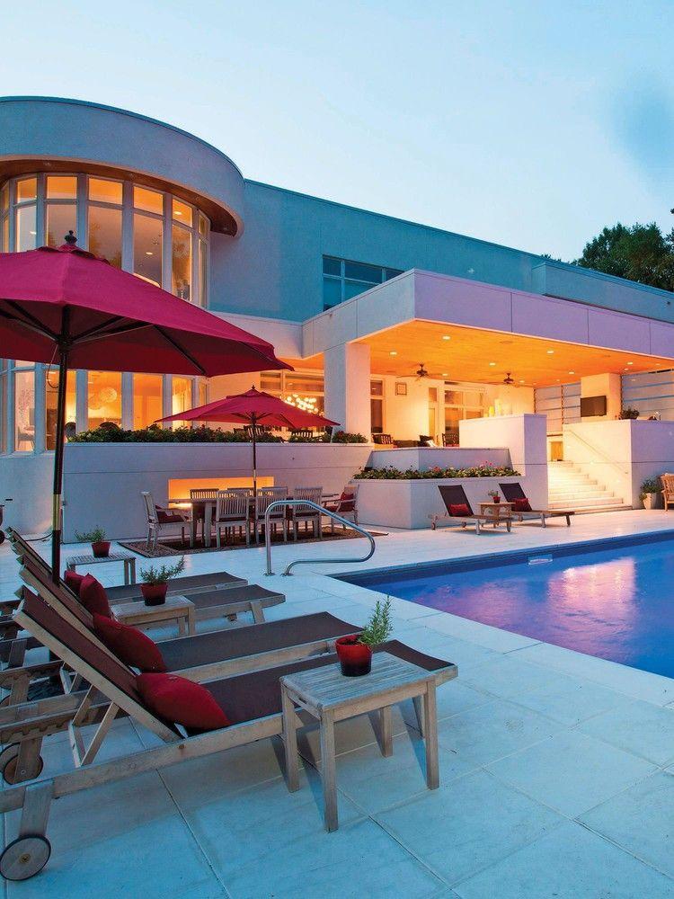 Homeowners Make A Splash With Cool Backyard Pools Usa Today Backyard Pool Backyard Mansions