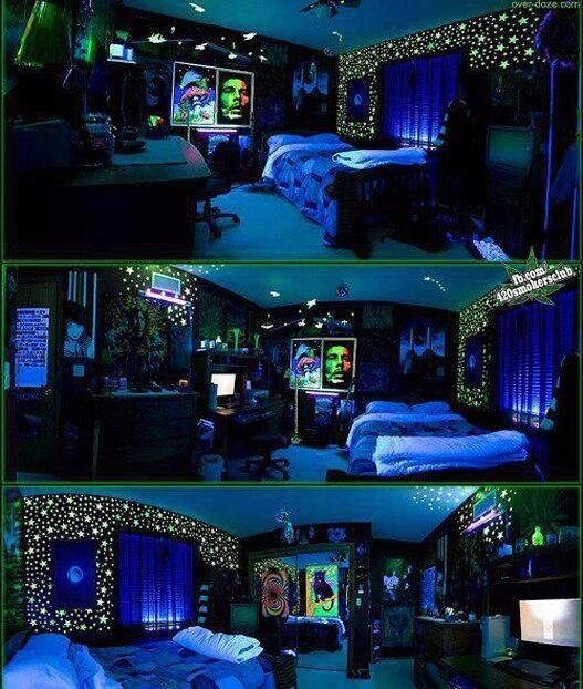 Glow In The Dark Bedroom Chill Room Cool Rooms Black Light Room