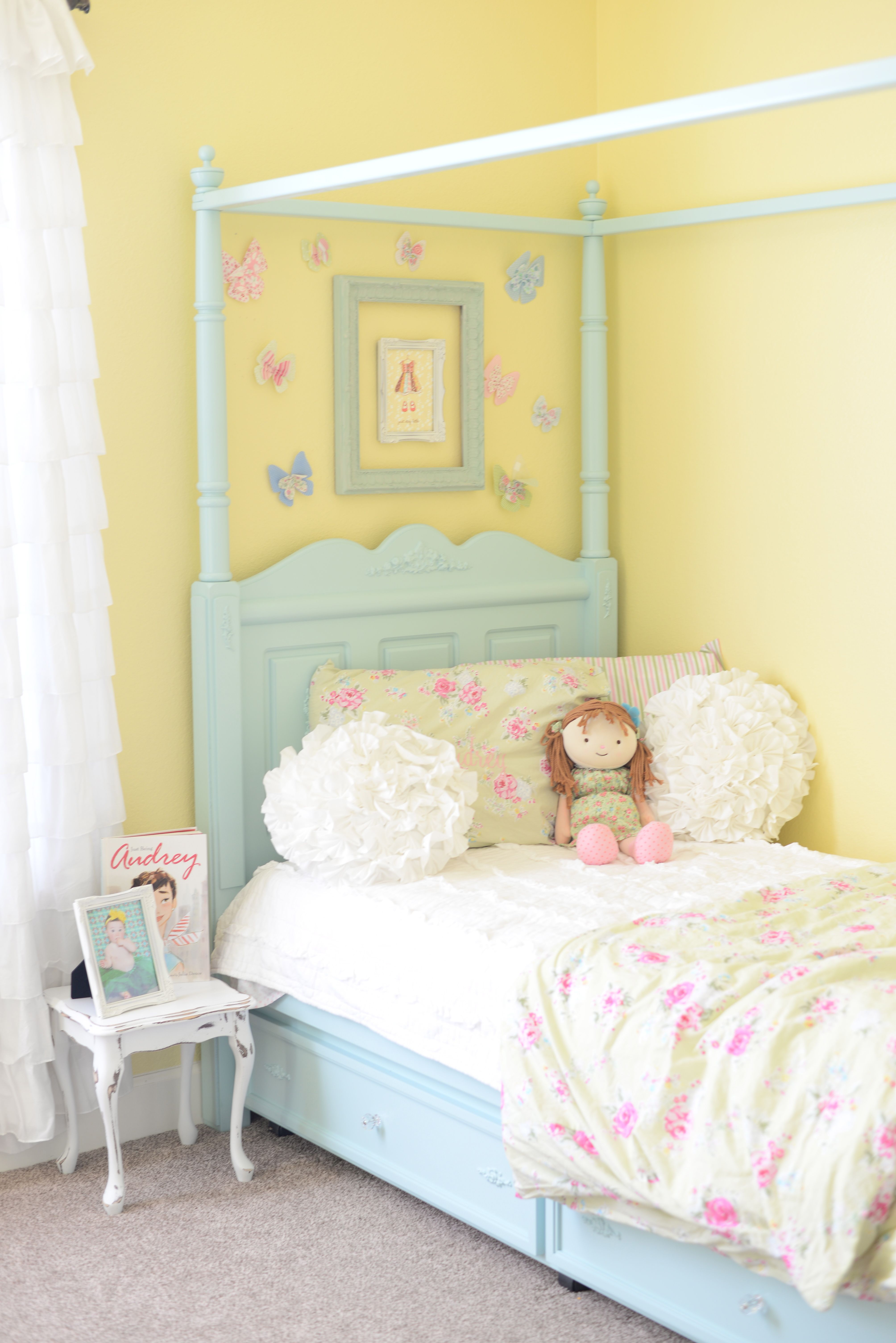 shabby chic girls bedroom love this wall color sadie 39 s