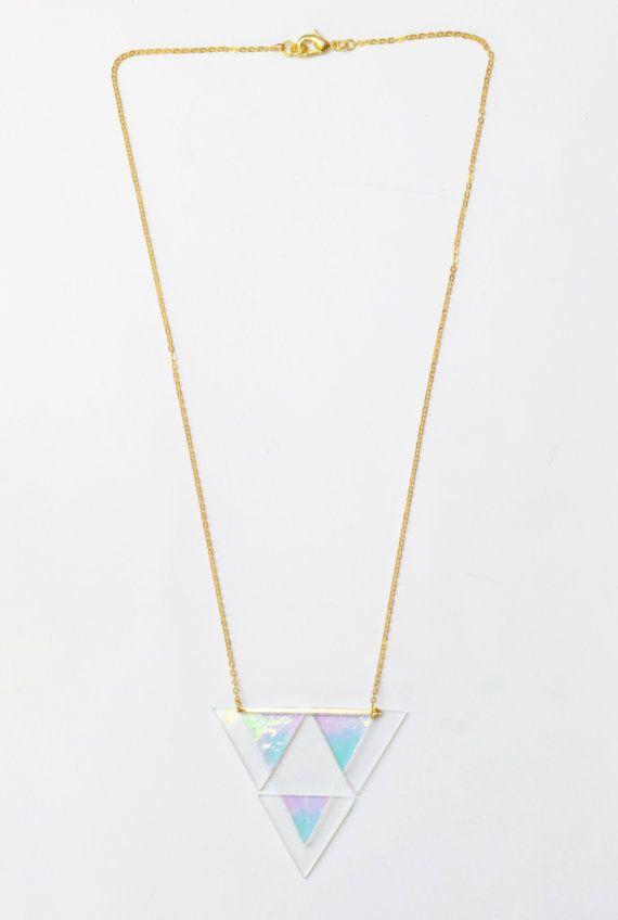 Collier holographique triangles multiples en verre doré par 416am