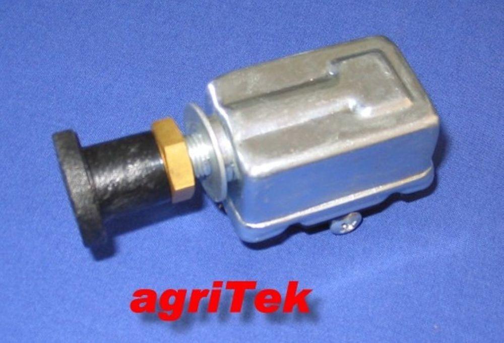Deutz Bremslichtschalter Druckschalter Schalter f Zapfwellenkupplung Schliesser