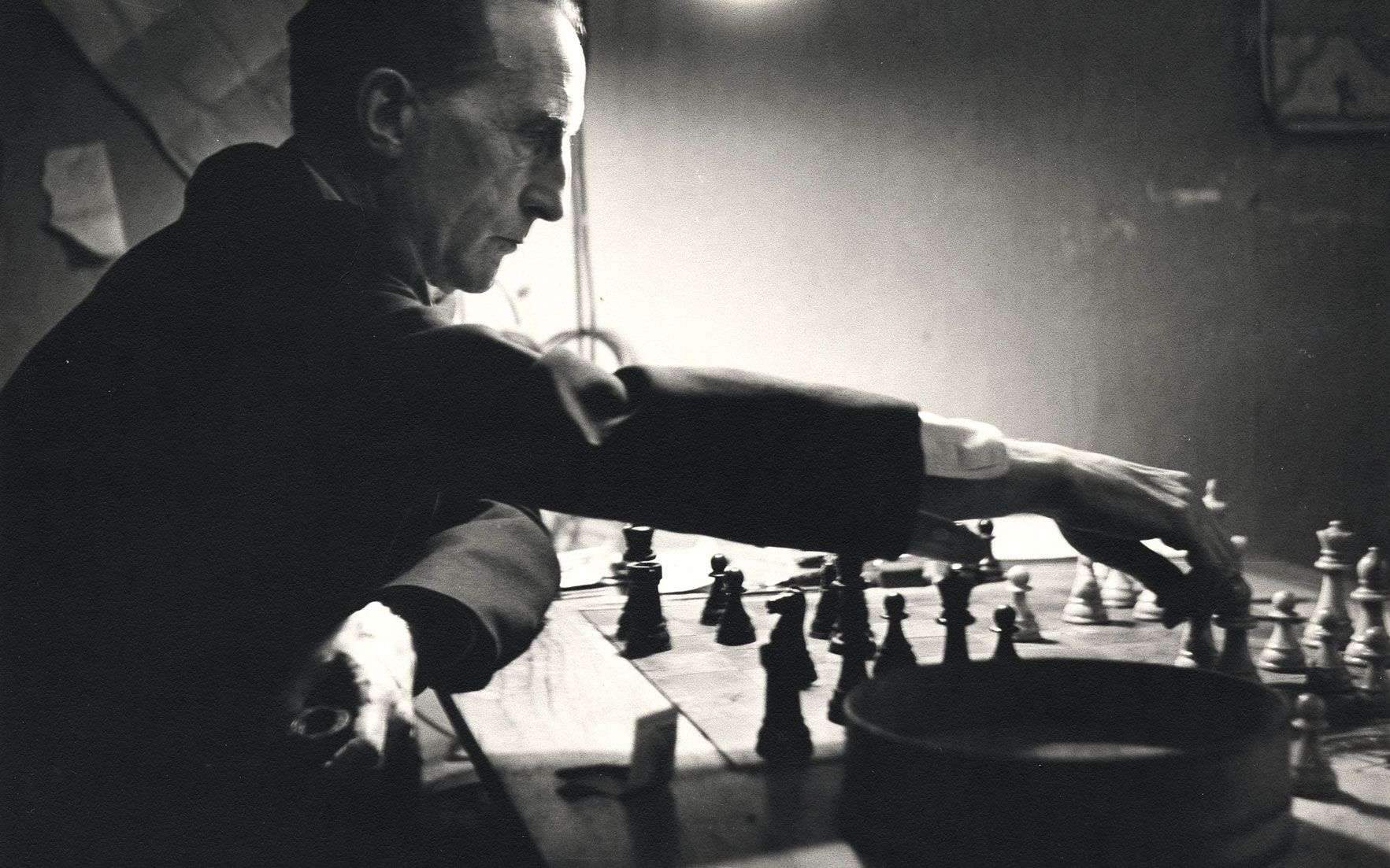 Marcel Duchamp, his pipe, and his passion for chess