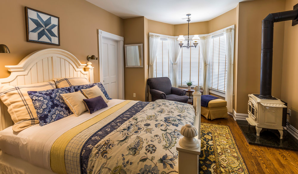 The Morris, with a beautiful reading nook Room, Guest