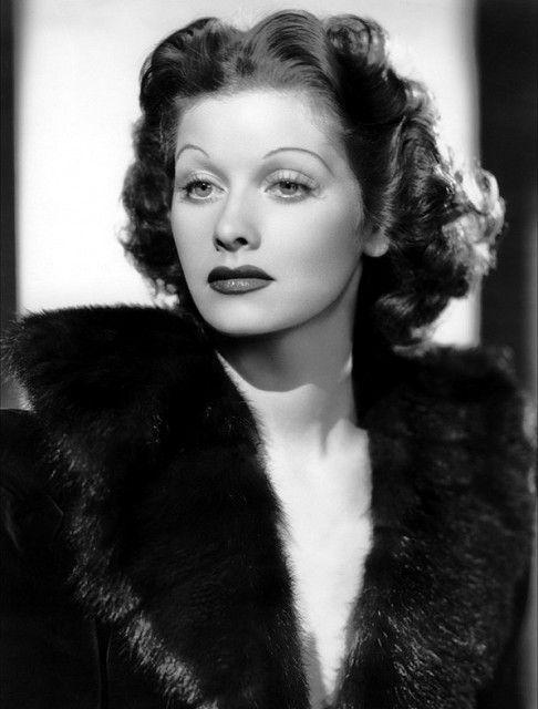 Lucy With Dark Hair 1930 S Lucille Ball Lucille Dark Hair
