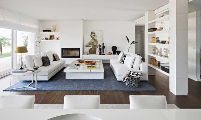 Una casa abierta a la luz salon comedor la vivienda y - Salones con columnas ...