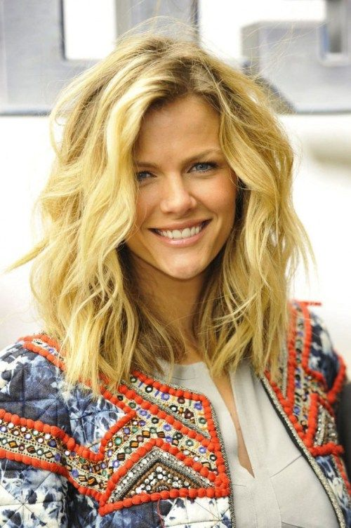 Hairstyles For Naturally Wavy Hair : 50 most magnetizing hairstyles for thick wavy hair bobs and