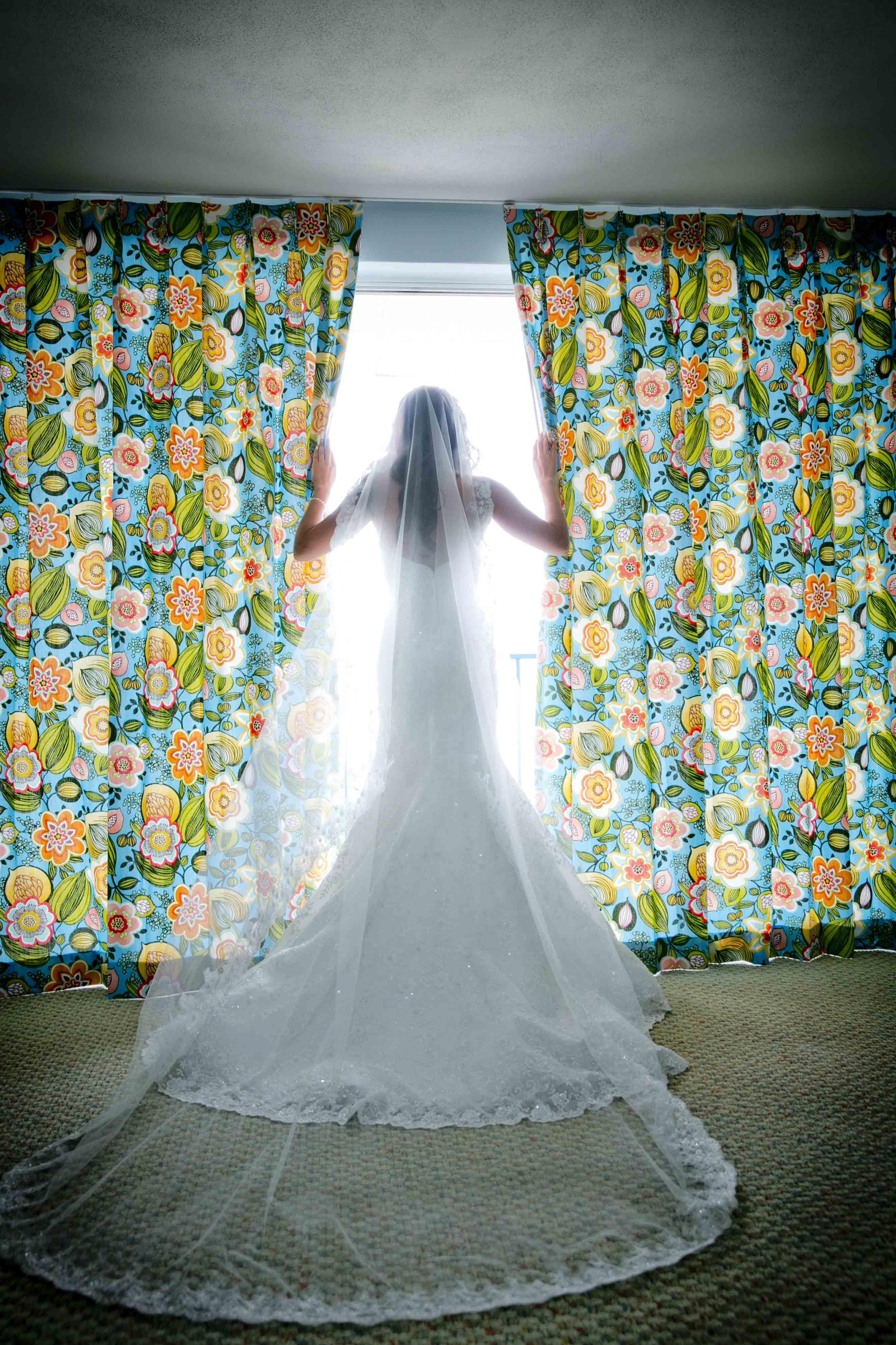 Deluxe One Bedroom Suite | Bridal Suite | La Jolla Cove Suites ...