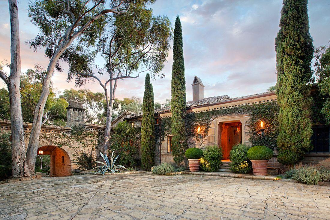 Yep Ellen Degeneres House Is As Amazing As You Think It D Be Haus Architektur Toskanisches Haus Villen