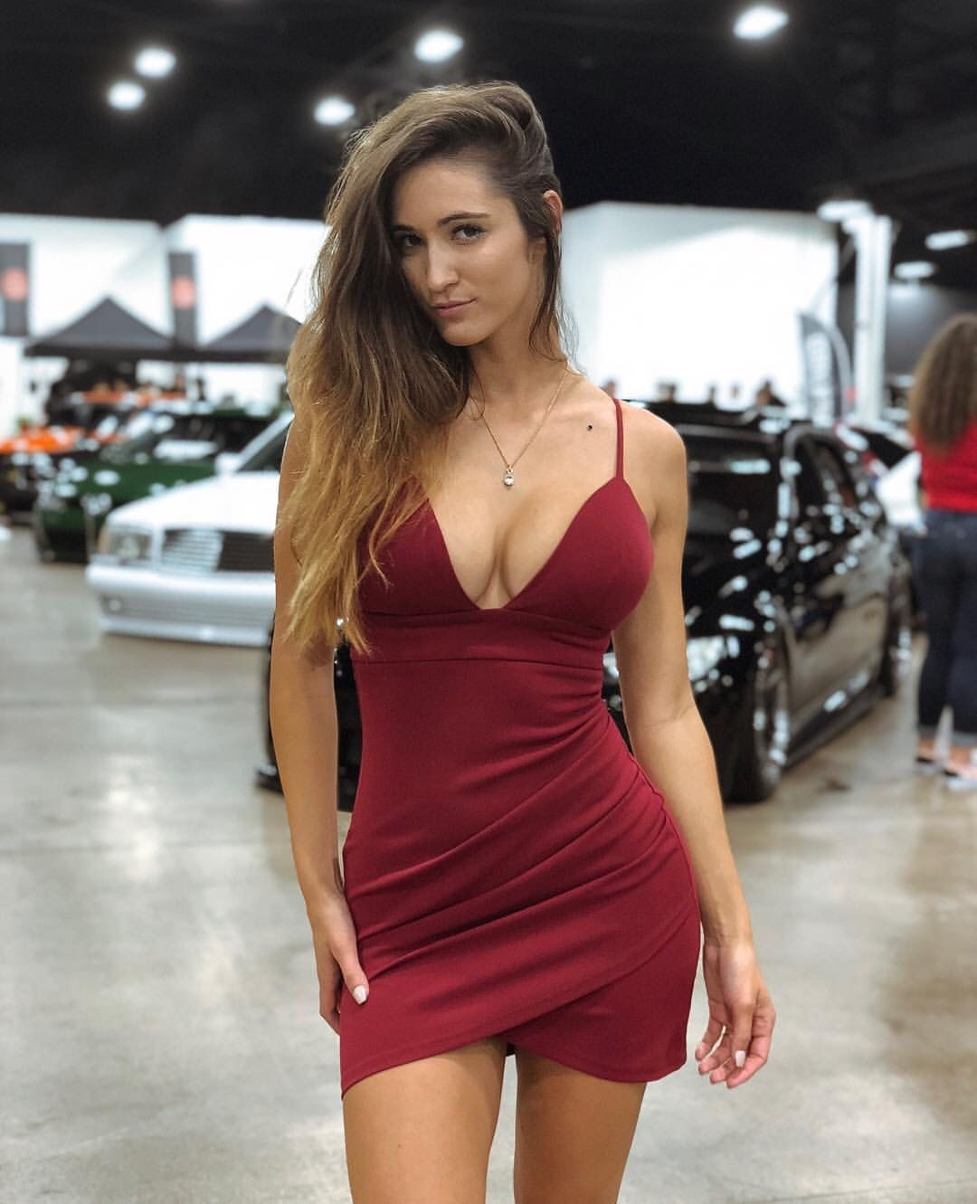 Reddit Gives You The Best Of The Internet In One Place Get A Constantly Updating Feed Of Breaking News Fun Stories P Tight Dresses Favorite Dress Mini Dress