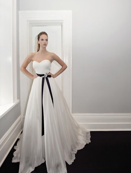 Amaline Vitale :: Angelique.... beautiful flowing ballgown style