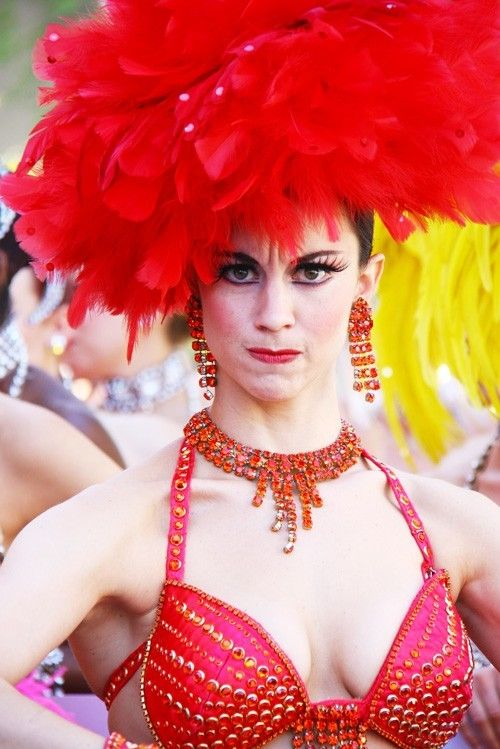 It's best not to make a Vegas showgirl angry.
