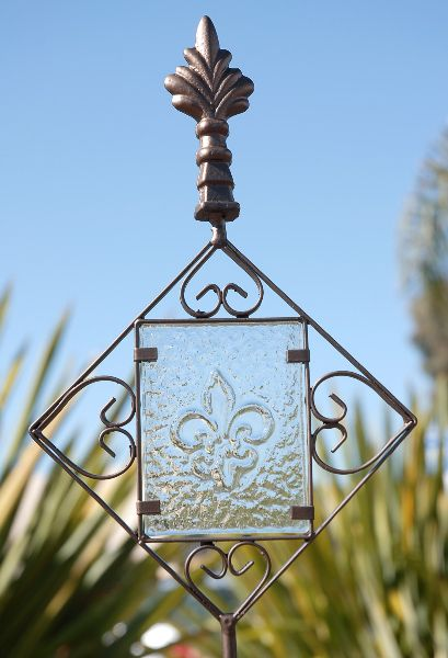 Shepherds Hooks Stanchions With Images Garden Art Crafts
