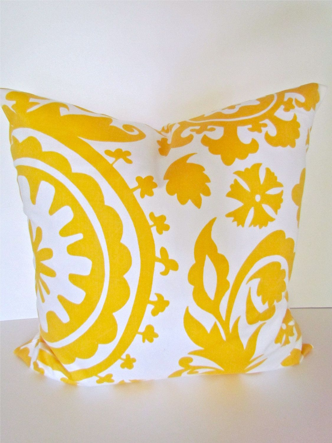 Pin By Esther Manon On Amo El Amarillo Pillows Decorative Throw Pillows 20x20 Pillow Covers