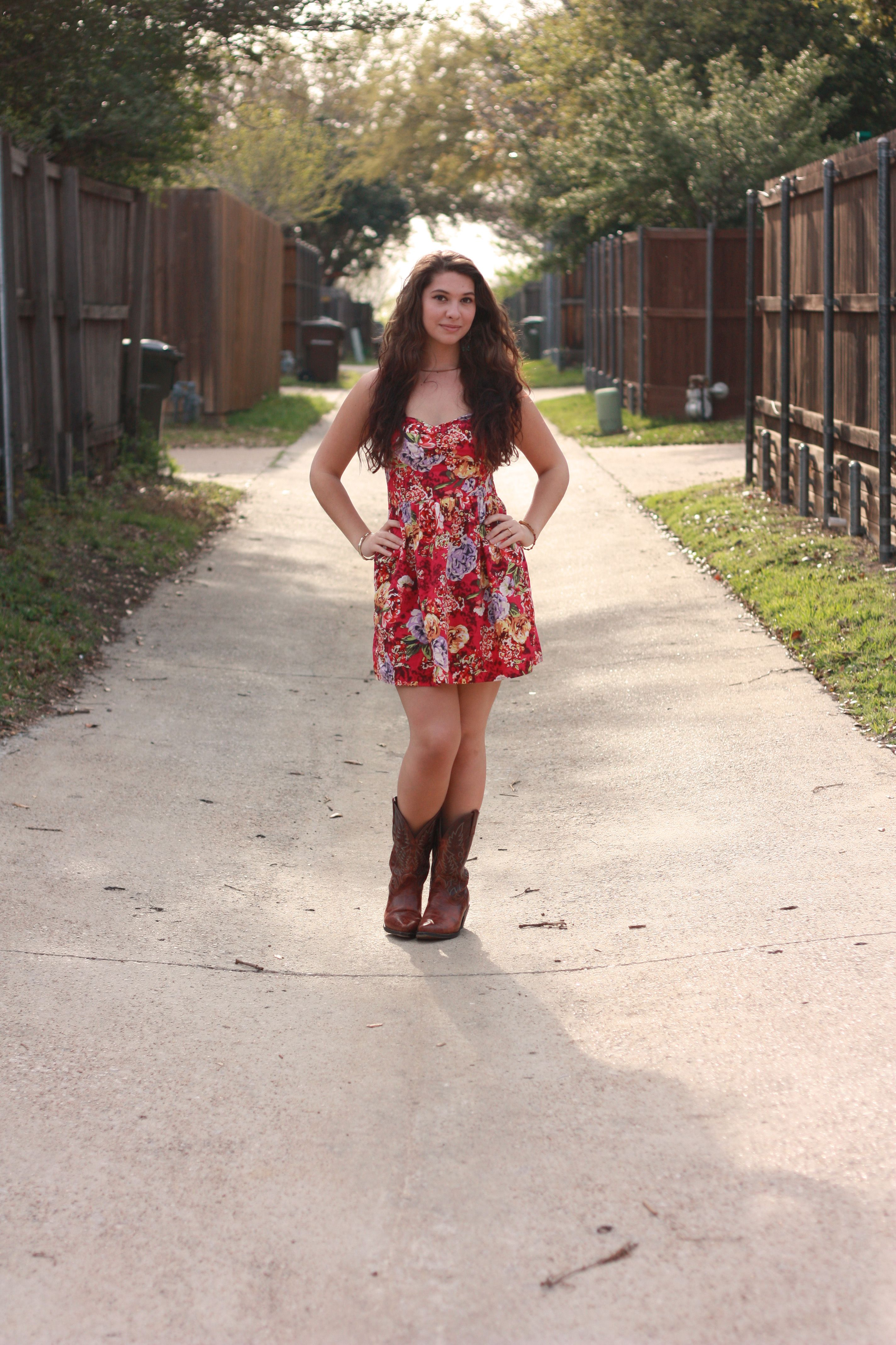 Outfits Summer with cowboy boots