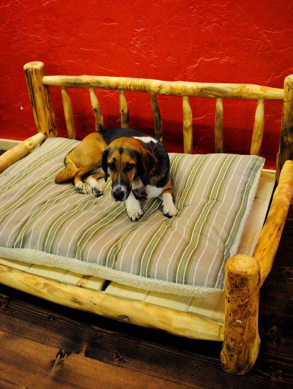 c 39 est un panier pour chien en bois le bureau pinterest chien panier chien and chien en bois. Black Bedroom Furniture Sets. Home Design Ideas