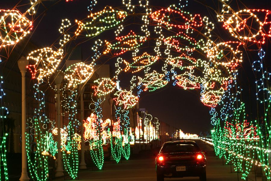 Mcdonald S Holiday Lights At The Beach At The Oceanfront In