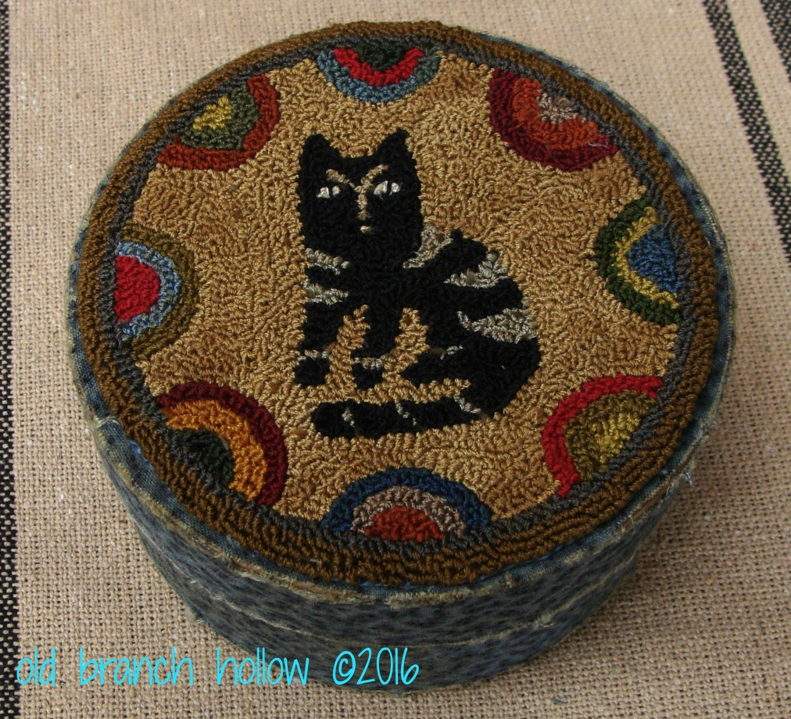 Punch Needle Kitty © Old Branch Hollow ~Sold~
