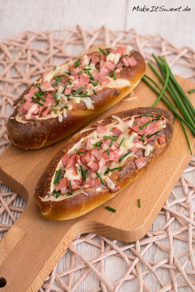 Gefüllte Laugenstangen mit Fleischkäse Rezept - MakeItSweet.de