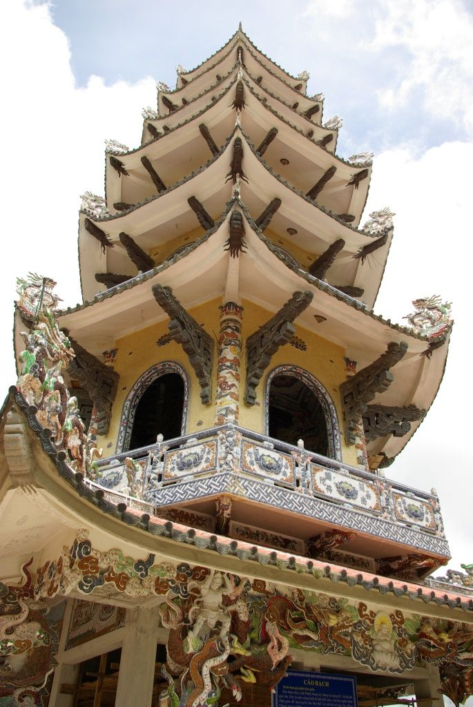 Traditional chinese architecture also smorgasbord of styles in vietnamese rh pinterest