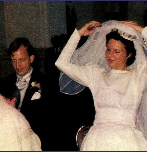 Alexandra Countess Schenk Von Staffenberg Wearing A Lovely Diamond Tiara Featuring Some Large Oval Sap German Royal Family Royal Weddings Germany And Prussia