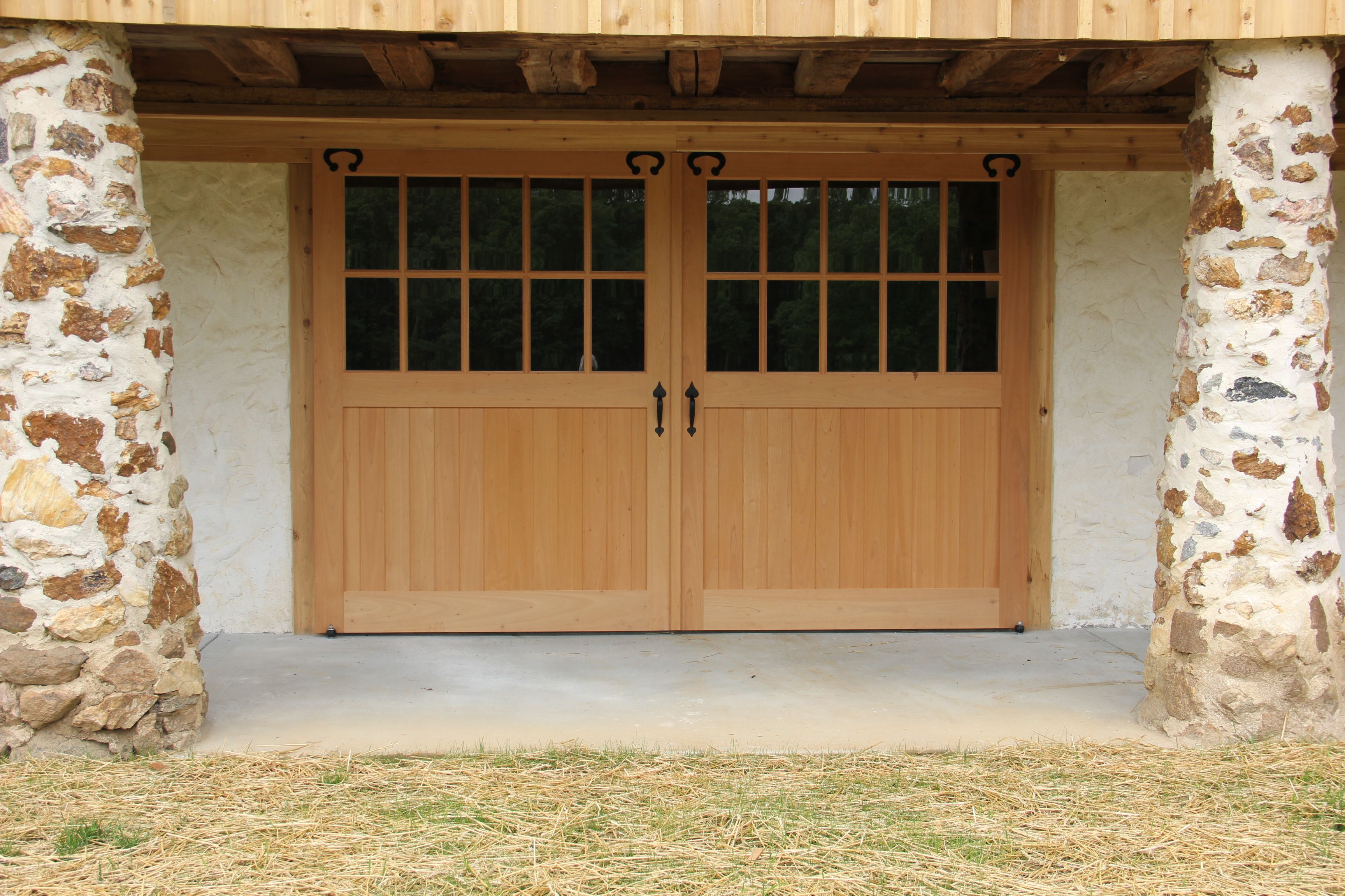 Pin By King Construction Co Llc On Horse Barn Doors Windows Barn Door Window Outdoor Decor Outdoor