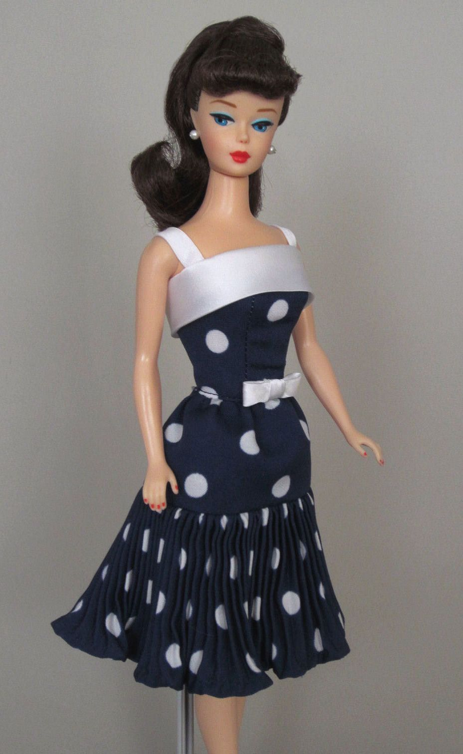 Uptown Girl Vintage Barbie Doll Dress Reproduction Barbie Clothes On Ebay Http Www Ebay Com Usr Fanfare1901 Barbie Dress Doll Dress Barbie Clothes Patterns