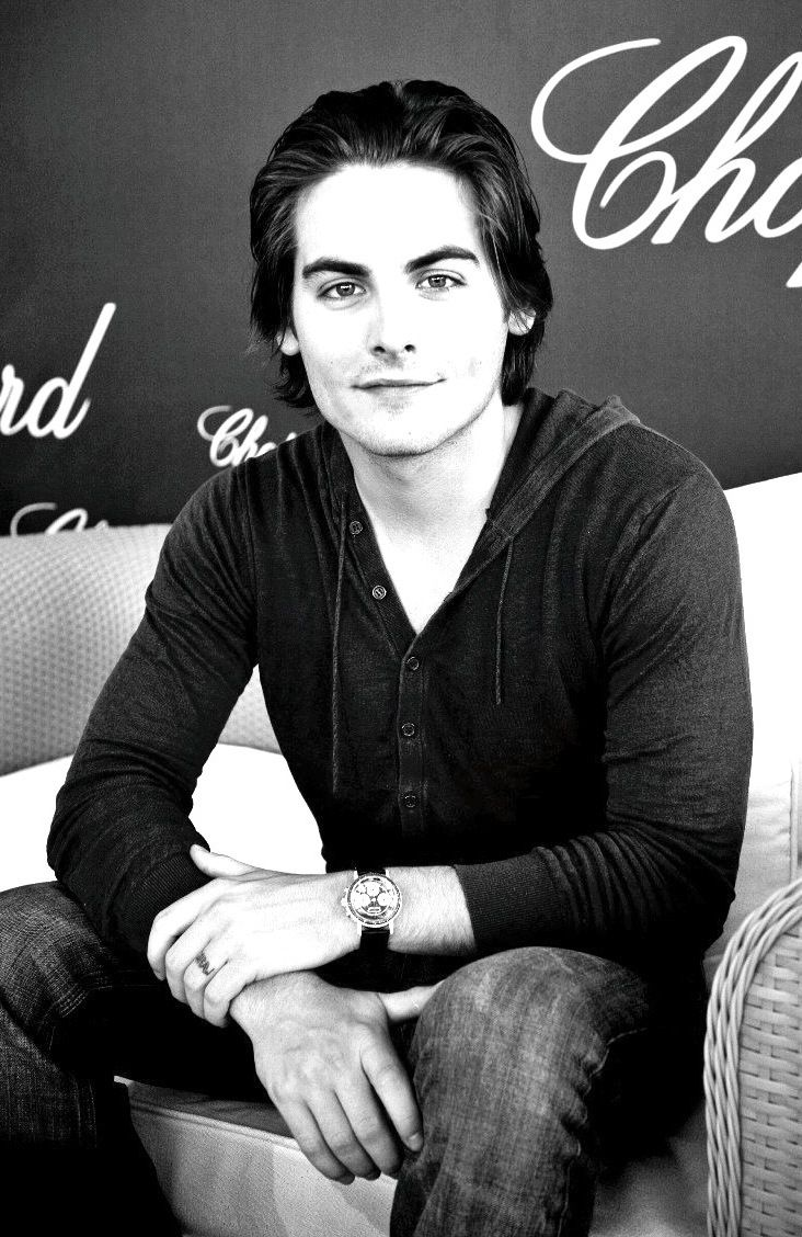 Kevin Zegers aka Alec Lightwood | The Mortal Instruments ...