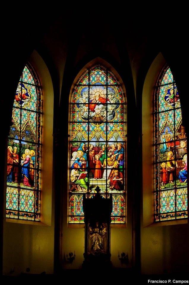 Vitrais da Igreja de Nossa Senhora Mãe dos Homens, no Santuário do Caraça  Fotografia de Francisco P. Campos