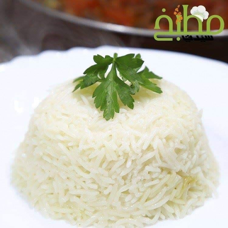 مطبخ سيدتي On Instagram تعلمي طريقة تحضير الأرز الأبيض بالخطوات والصور من مطبخ سيدتي المقادير أرز بسمتي 2 كوب منقوع ومغسول وم Arabic Food Food Recipes