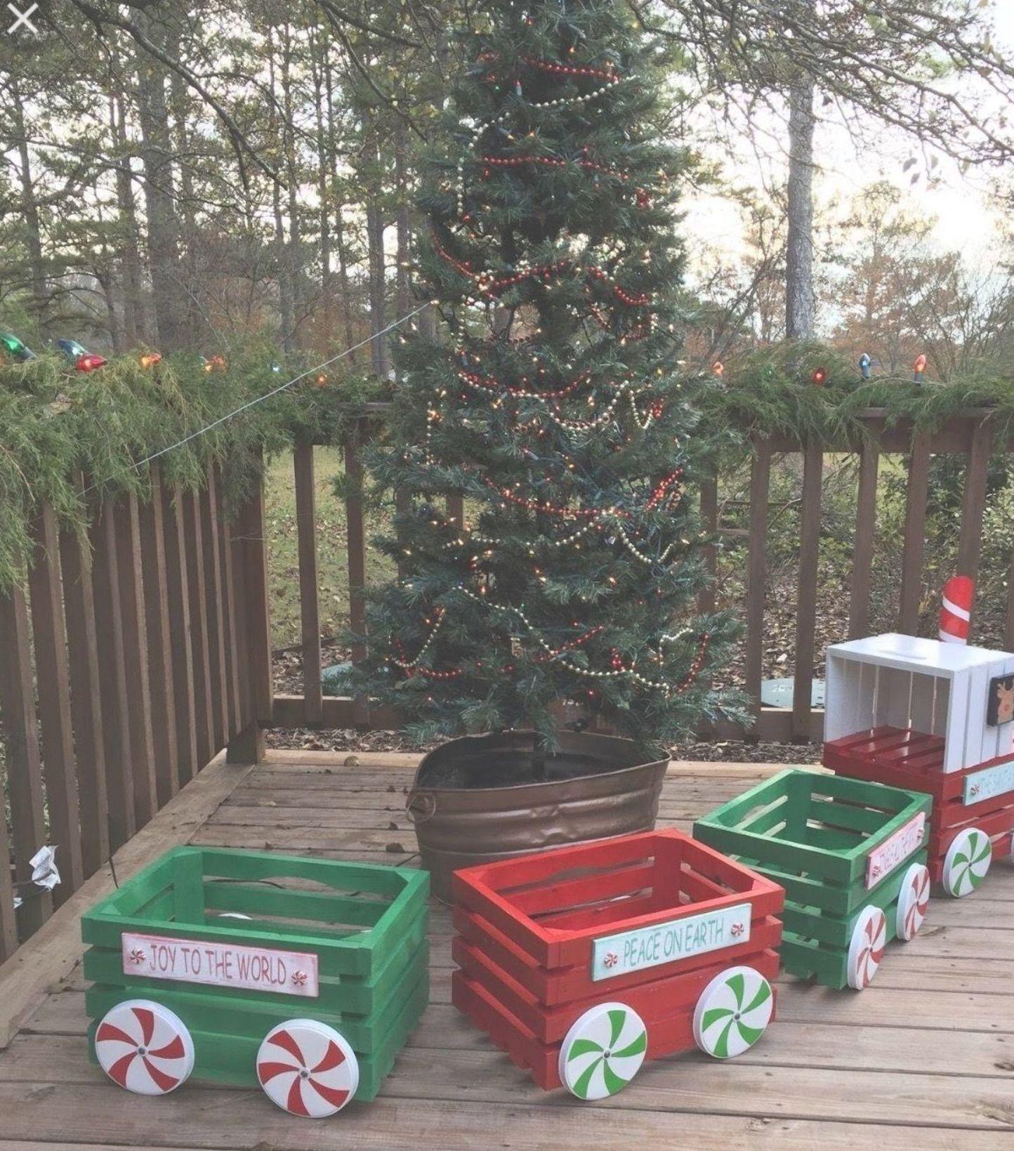 36 Diy Outdoor Christmas Decor On A Budget Decoration Christmas Holiday Christmas Decorations Diy Outdoor Outdoor Christmas Diy Outdoor Christmas Decorations