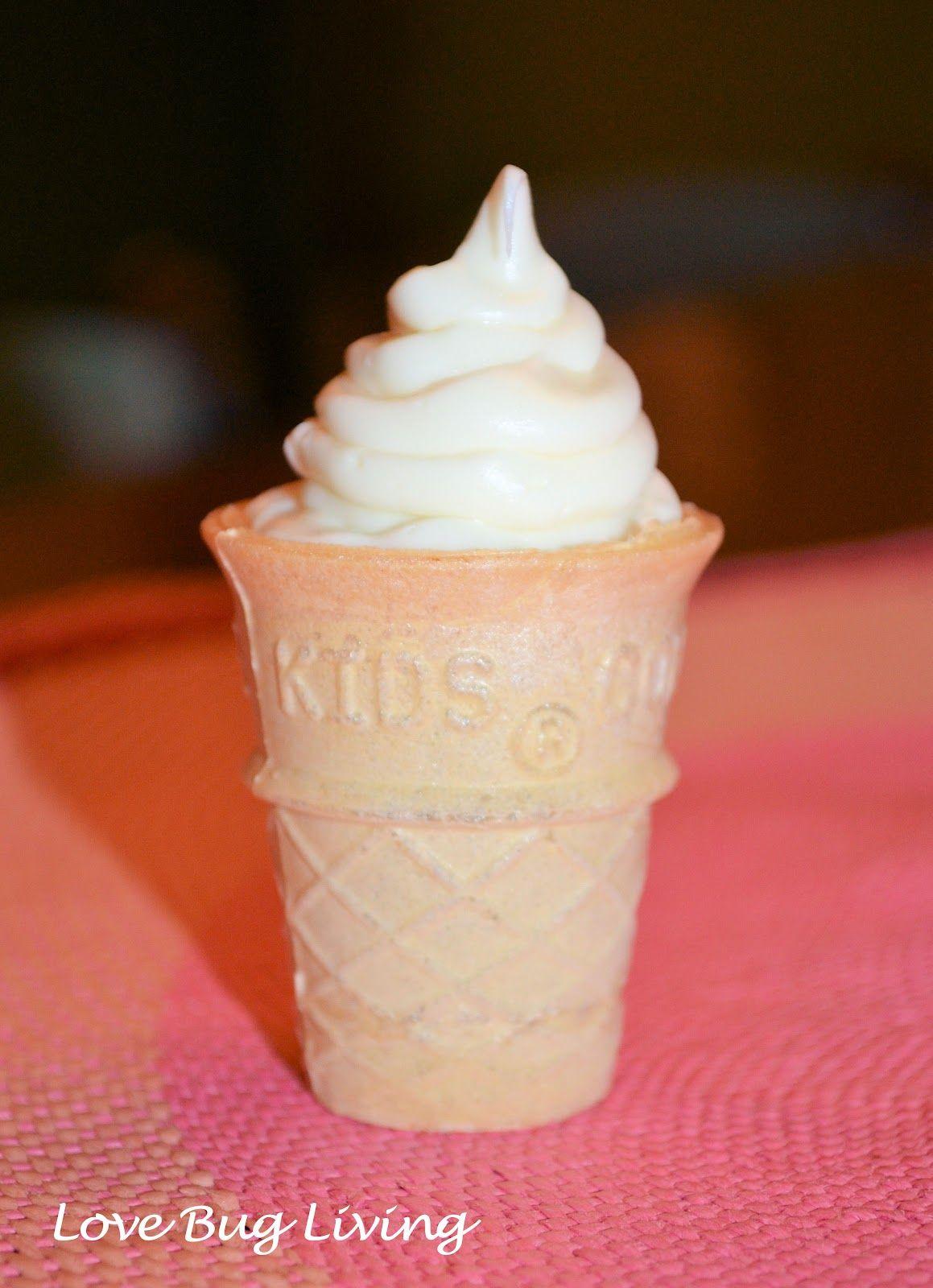 Love Bug Living: Mini Brownie Ice Cream Cones