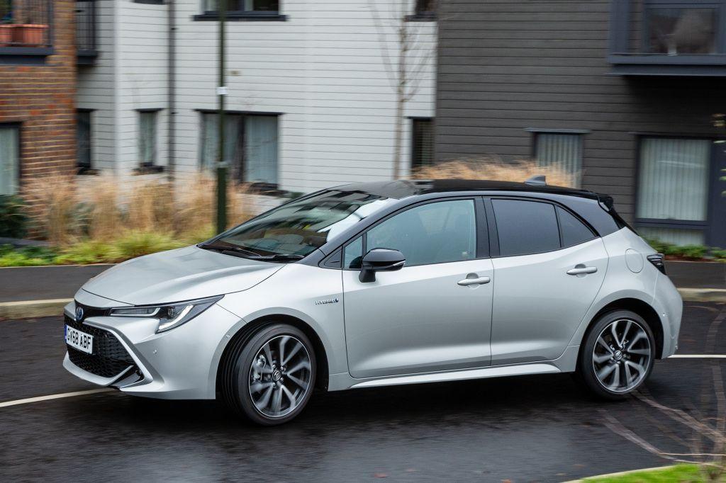 Toyota Corolla Hybrid [UKspec] '2019pr.【2020】(画像あり) 車