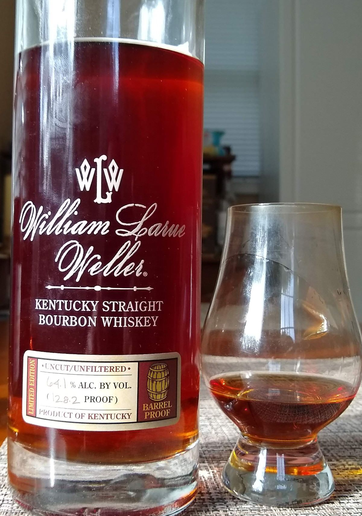 Pin By Ariel Ramos On Whiskey In 2020 Cigars And Whiskey Kentucky Straight Bourbon Whiskey Weller