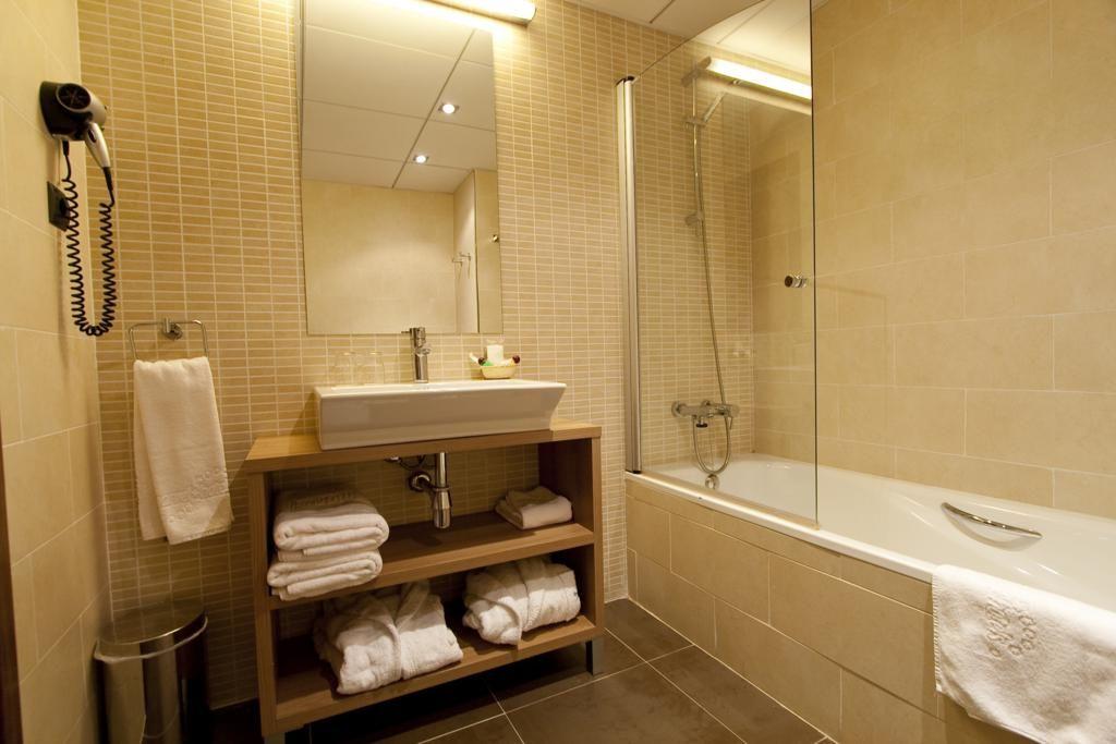 Cuarto de Baño - Habitación Estándar, Hotel Marvel Vielha ...