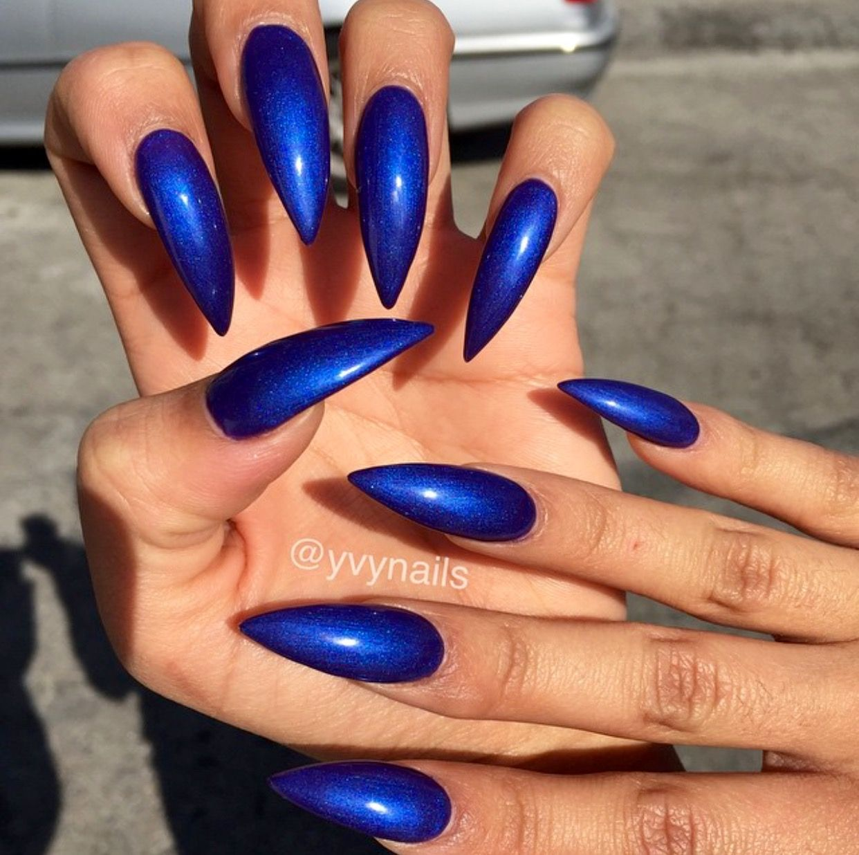 Pin By Amber Ford On Nails Blue Stiletto Nails Blue Shellac Nails Vibrant Nails