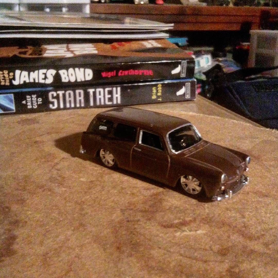 """Maisto 1967 VW  Squareback"""
