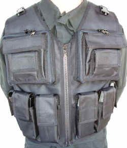 AR 15 Tac Vest holds (6) AR-15 / M16 Mags    Has two 7 X 7 Zipper Pockets, with two 6 X 6 Pockets on them, and two 4 x 4 Pockets on those, and Slip Pockets behind the 6 x 6 and 4 x 4 for Added storage    Available in Numerous Colors  Marpat, Cadpat, ACU, Crye Multicamo.  All TheVestGuy.com products are made to order so each can be modified to meet your specific needs. Manufactured in the USA, backed by a workmanship lifetime warranty. The Vest Guy, the nation's leader for quality vests.