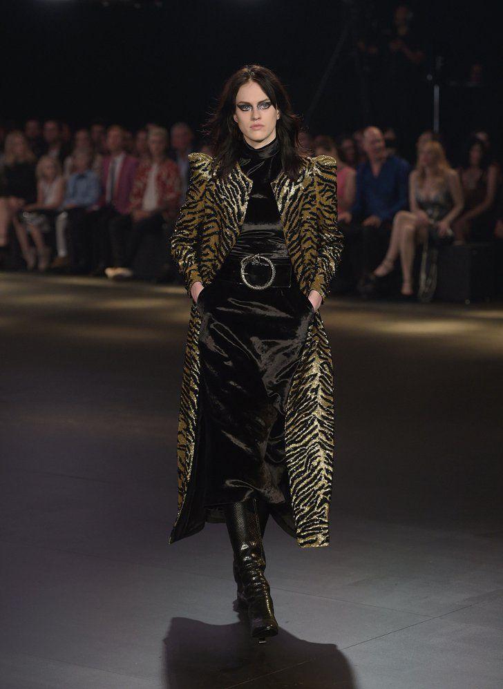 Pin for Later: Glanz, Glamour, Vintage und Grunge bei der Modenschau von Saint Laurent