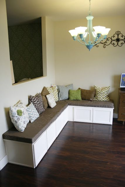Breakfast Nook Bench Seat With Storage This House Is So Cute And It S For In Spanish Fork Ut You Gotta Check Out