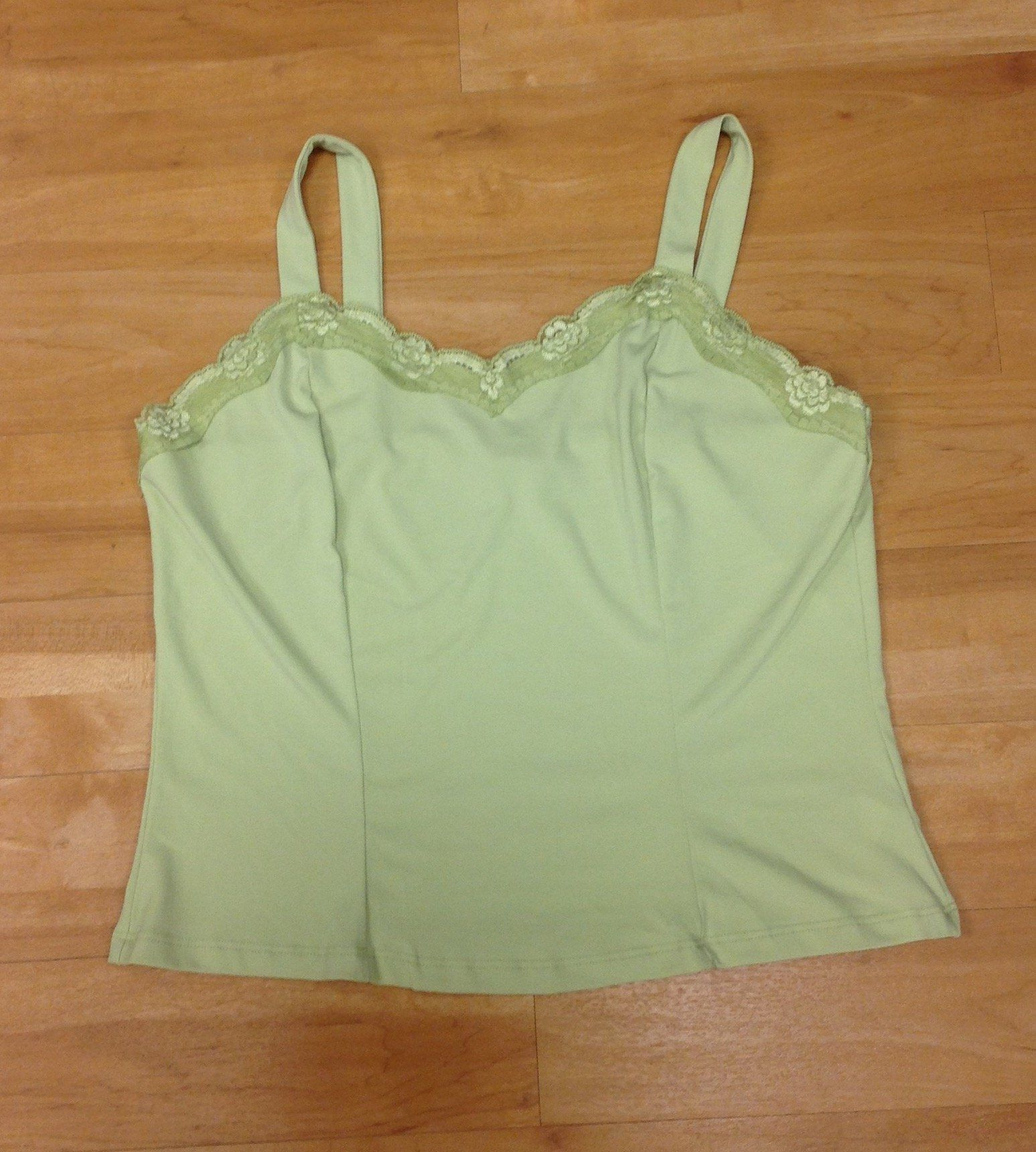Photo of Top Sleeveless By Clothes Mentor  Size: L
