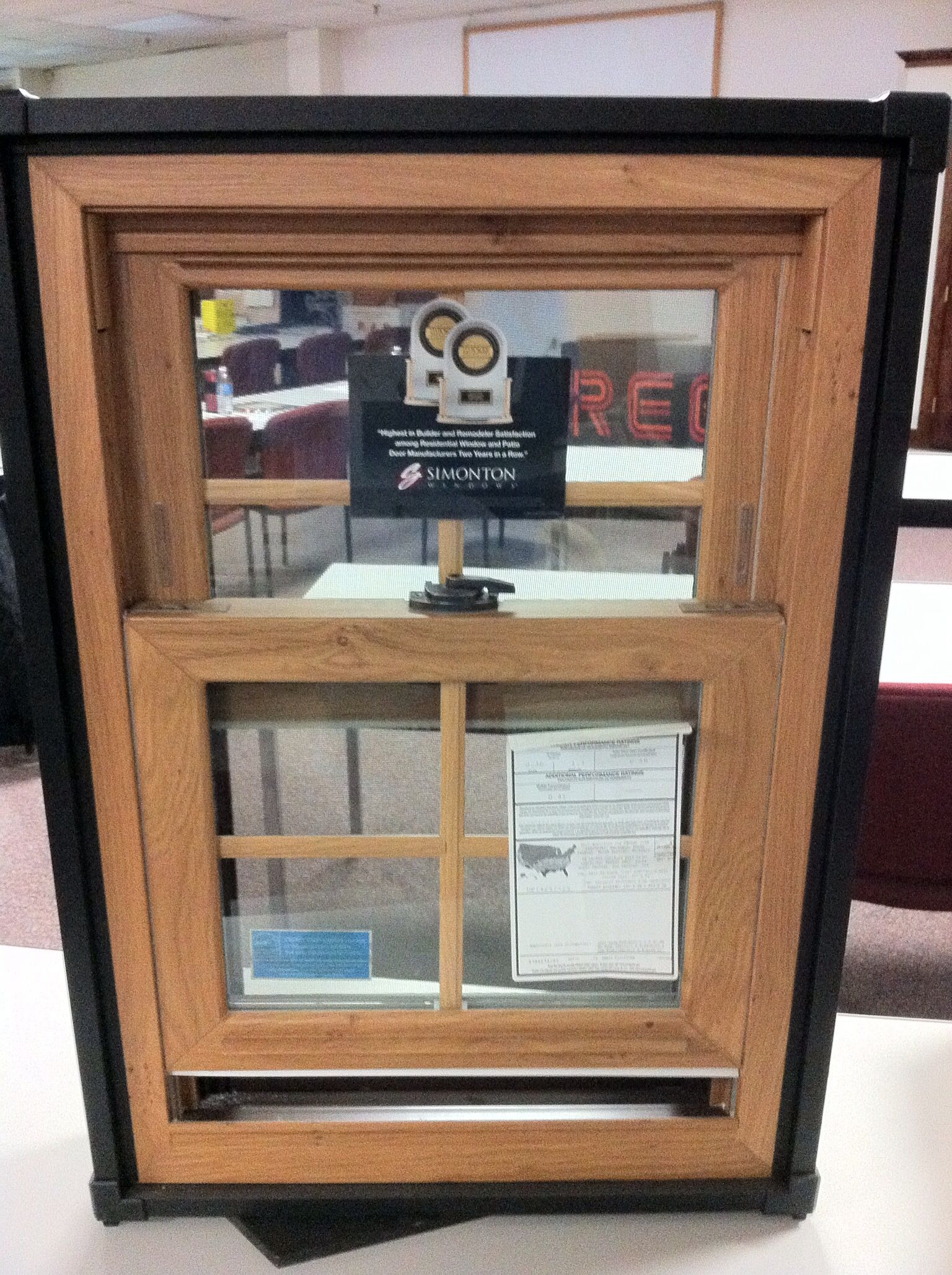 Simonton Vinyl Windows Reflections Series 5500 With Wood Finish On