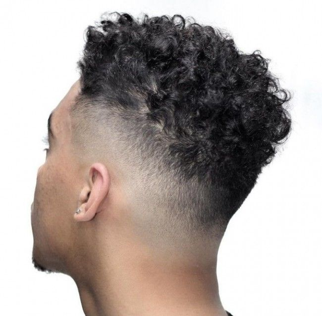 Coupe cheveux boucle degrade homme