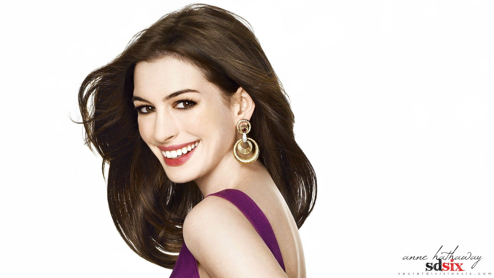 Anne Hathaway Just Hot Anne Hathaway Hd Wallpaper