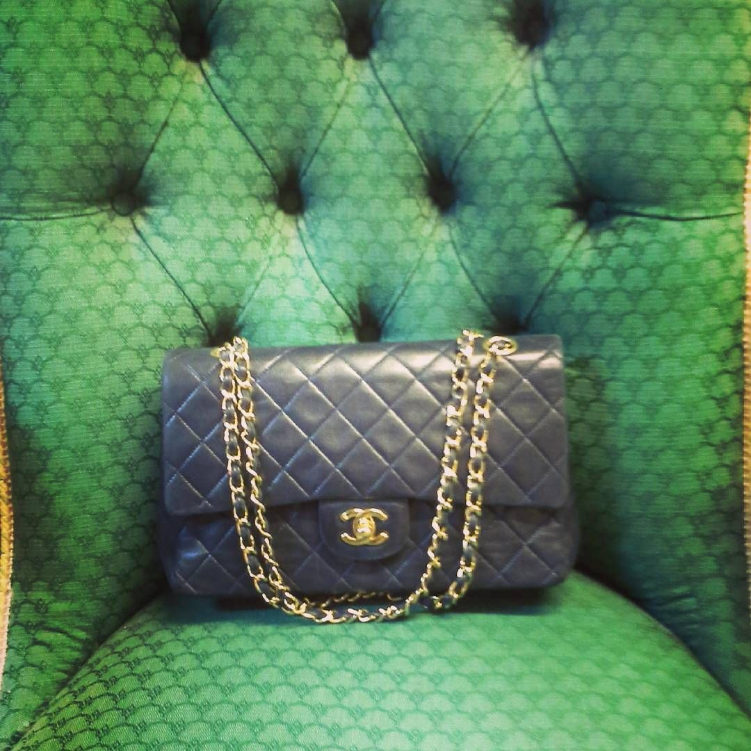 Auction highlight from Sunday's #designerhandbag sale, this classic #chanel flap bag, lot 475 sold for £1,600 incl. BP!  #LotsRoadAuctions #Chelsea #TheAuctionHouse #London #auction