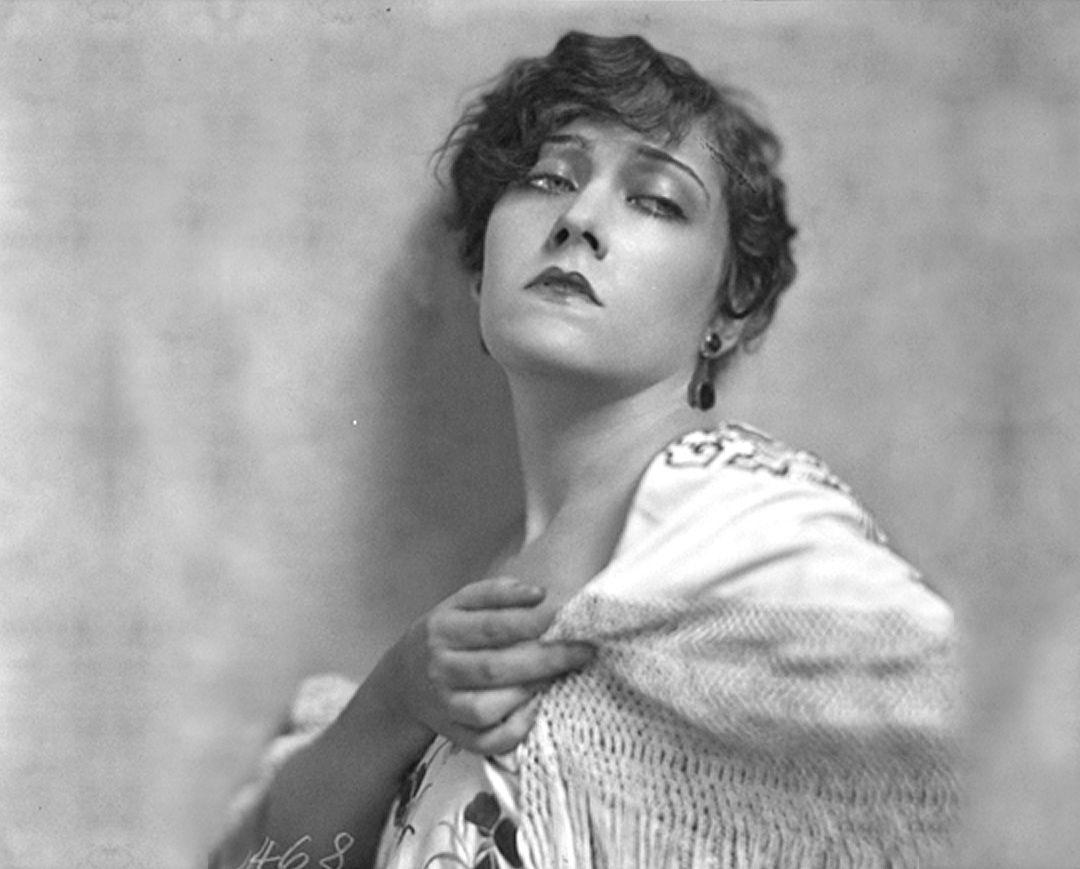 Portrait of Gloria Swanson, 1920's