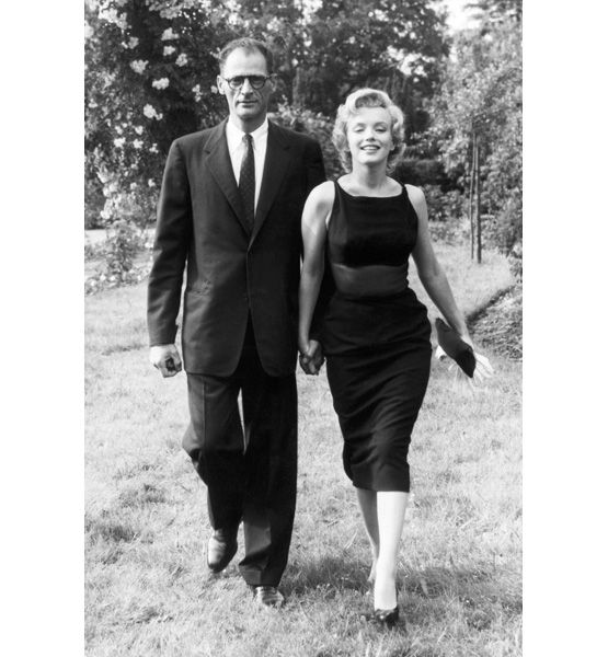 Marilyn Monroe and Arthur Miller going for a stroll. http://glo.msn.com/beauty/i-like-the-way-you-walk-7816.gallery?photoId=81960