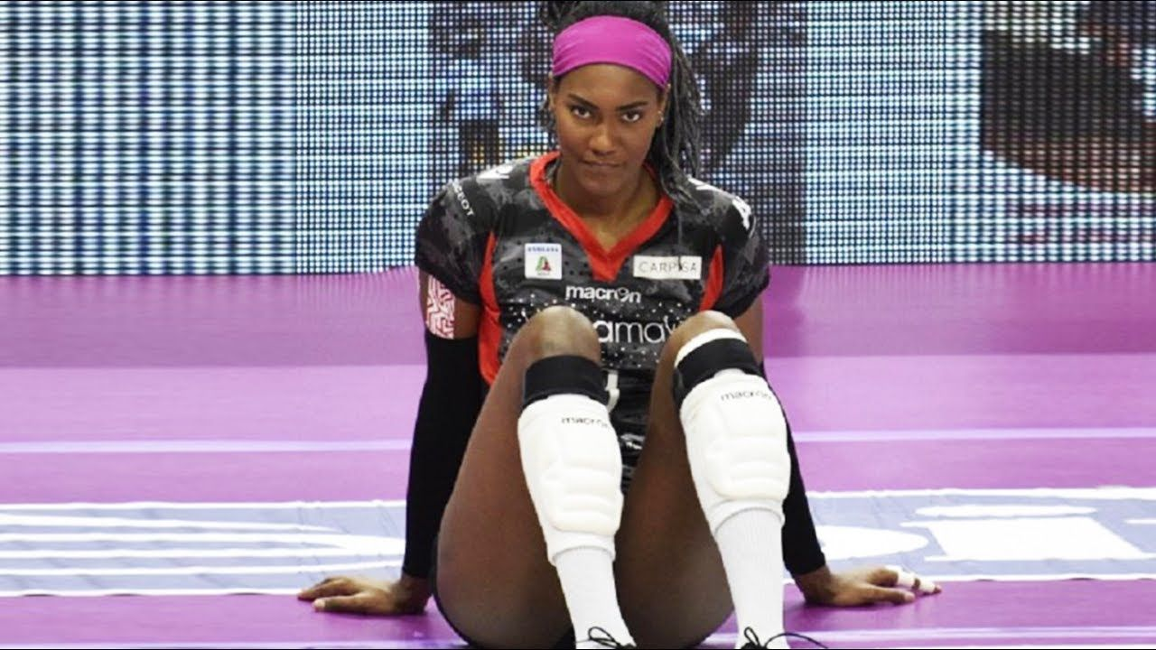 Top 20 Best Volleyball Spikes By Brayelin Martinez Volleyball Highlights Volleyball Skills Volleyball Players Beach Volleyball