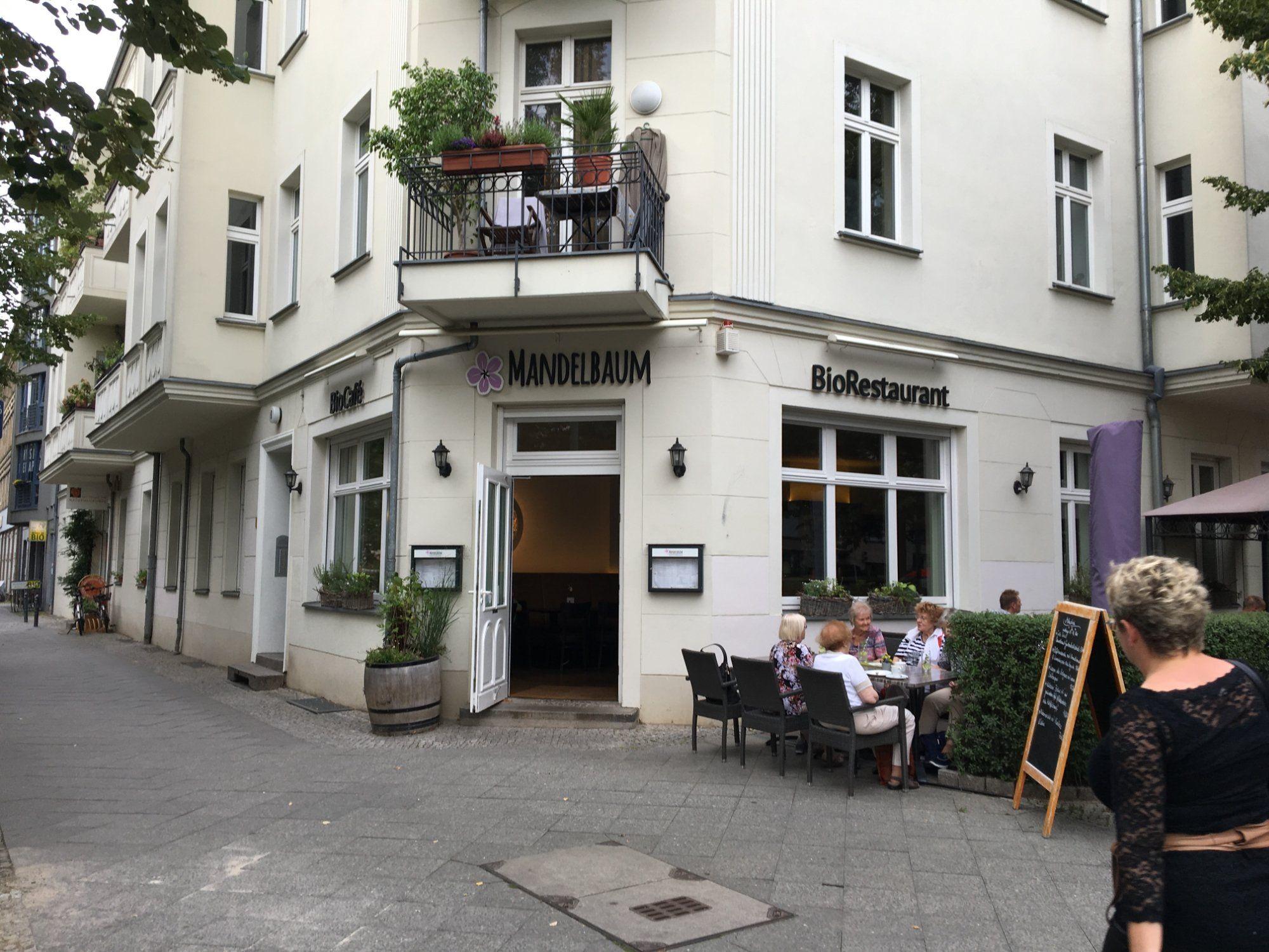 Biorestaurant Mandelbaum Berlin Restaurant Weissensee Essen Gehen Weissensee Weissensee Kulinarisch Essenstipp W Bio Restaurant Restaurant Berlin Weissensee