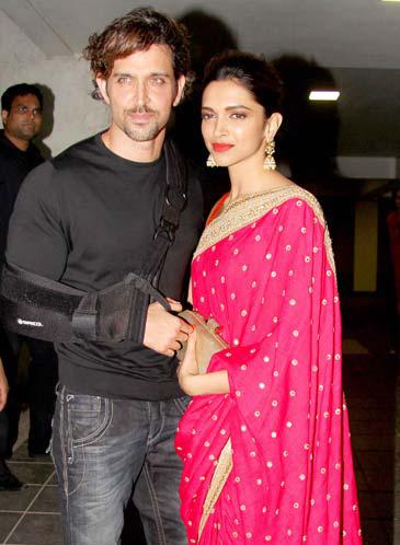 5 Reasons Why Deepika Padukone And Hrithik Roshan Need To Do A Film Together Asap Movie24update Deepika Padukone Fashion Saree